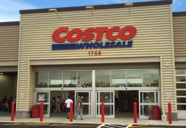 Costco earnings advance in quarter