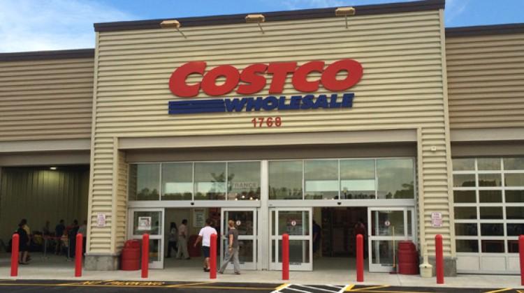Costco earnings advance in quarter