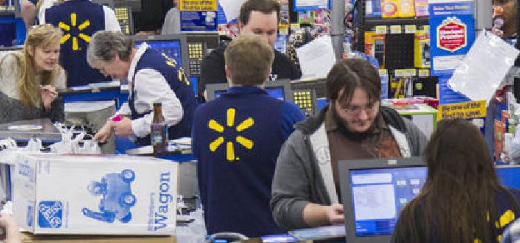 Walmart to make more employees full-time