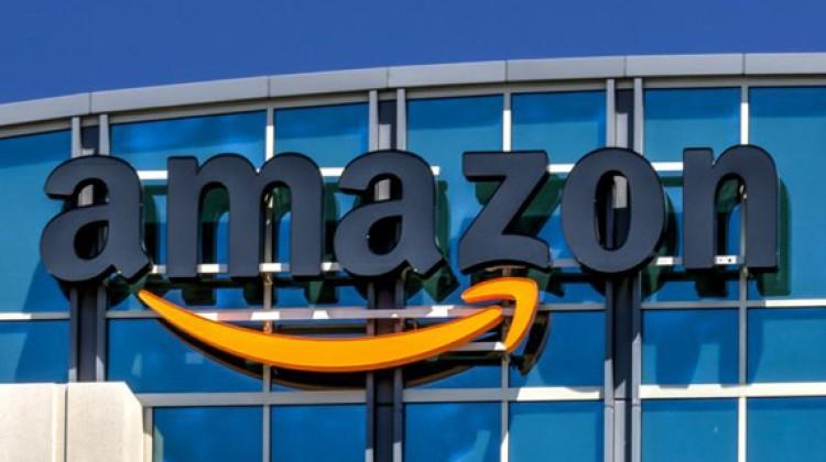 Amazon posts fourth quarter sales gains