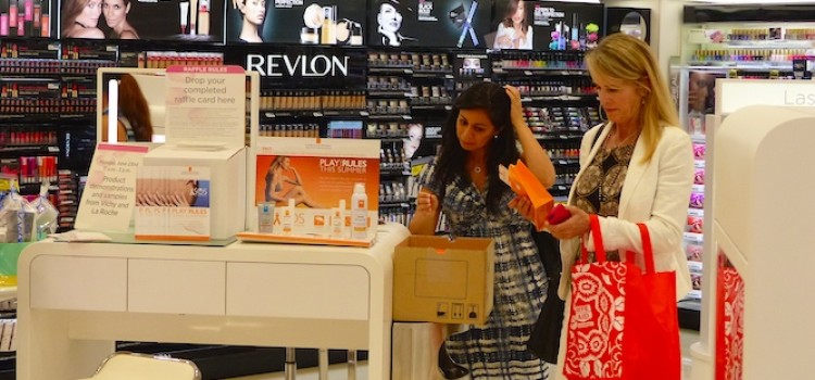 Poll: Shoppers prefer stores to online for beauty