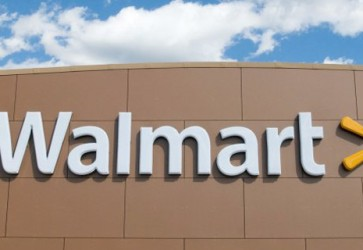 Walmart posts strong first-quarter sales