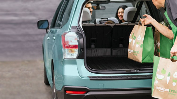 Amazon tests grocery pickup stores
