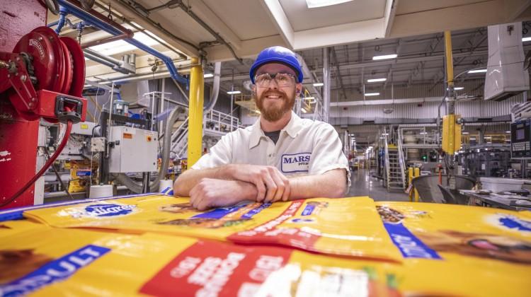 Mars Petcare celebrates 40-year anniversary of Mattoon manufacturing site