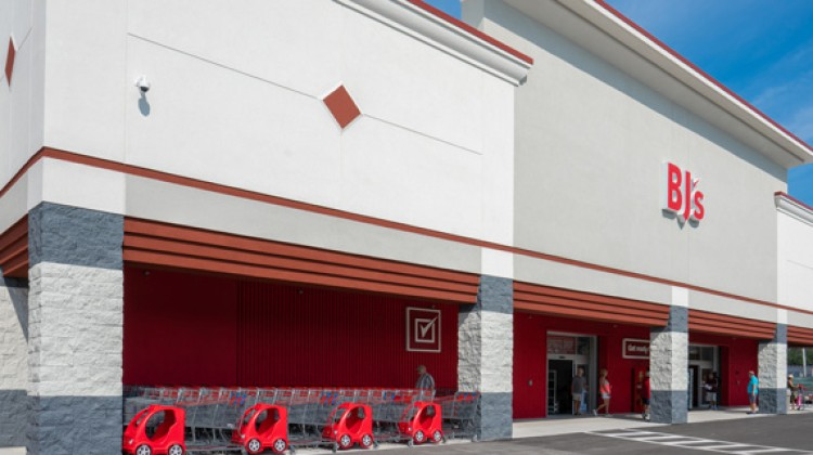 BJ's sees sales momentum, plans new clubs