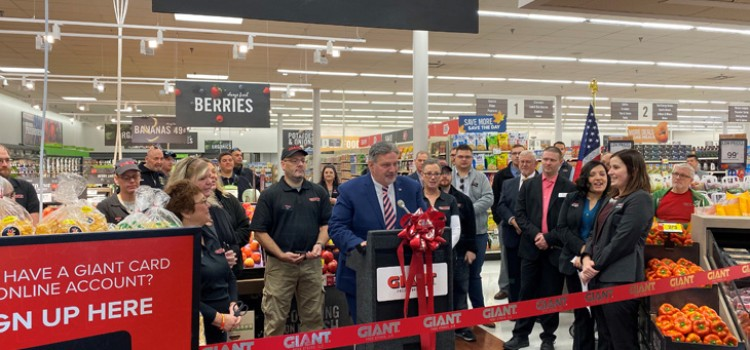 GIANT Food hosts two grand openings