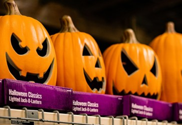 NRF: Record Halloween spending expected